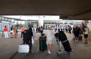 Llegada de turistas al aeropuerto malagueño.
