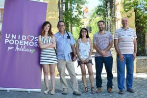 Ana Terrón, junto a miembros de Unidos Podemos.