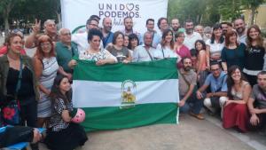 Foto de familia al finalizar la presentación de la candidatura de Unidos Podemos.