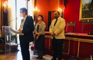 Antonio Cambril con Francisco Puentedura y Elisa Cabrerizo, tras el pleno de investidura.