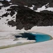 Laguna Altera y arriba, Puntal de la Cornisa